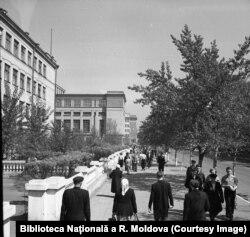 Din țărani în orășeni: noua imagine a orașelor sovietice