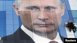 Слова грузинского премьера на сегодняшней пресс-конференции наложились на вчерашнее заявление Армении о вступлении в Таможенный союз, на основе которого Россия и намерена создать Евразийский союз