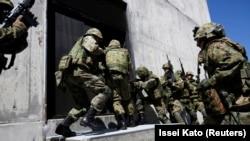 Pripadnici snaga japanske kopnene vojske