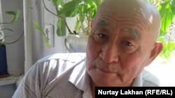 Лазо Төлеубекұлы, күзетші. Алматы, 1 қыркүйек 2011 жыл