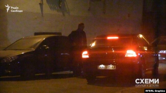 Skoda ще раз під'їхала до Смирнова, але він не сів у неї