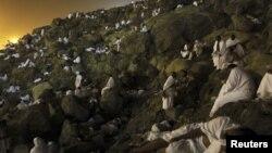 Арафот тоғи, Макка, 2012 йил 25 октябр, эрта тонг.