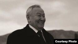 """Райкан Алканов Кыргызстандагы эң бай адамдардын бири. """"Алканов жана компания"""" деген жоопкерчилиги чектелген коомду жетектейт."""