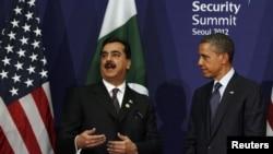 د امریکا ولسمشر براک اوباما د سیول سرمشریزې په څنګ د پاکستان له وزیر اعظم یوسف رضا ګیلاني سره ولیدل