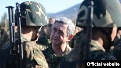 Прэзыдэнт Армэніі Серж Саргсян падчас адведзінаў непрызнанай Нагорна-Карабахскай Рэспублікі