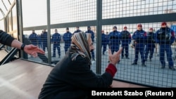 Hungary Closes Serbian Border Crossing As Migrants Demand Entry