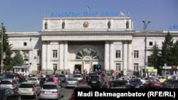 """""""Алматы-2"""" темір жол вокзалы. Алматы, 23 қыркүйек 2013 жыл"""