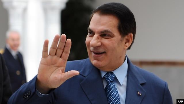 Predsjednik Tunisa, Zine El Abidine Ben Ali, napušta zemlju nakon masovnih protesta, 2011.