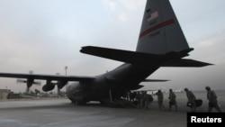 جنود أميركيون يغادرون العراق في أواخر عام 2011
