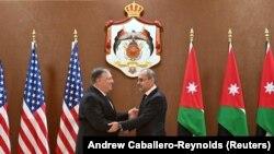 Sekretari amerikan i Shtetit, Mike Pompeo në takim me Ministrin e Jashtëm të Jordanit, Ayman Safadi