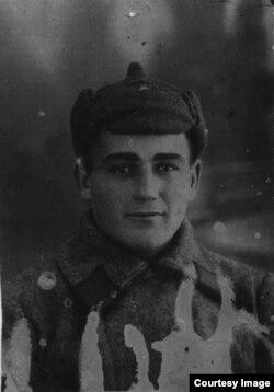 Эскендер Перия, дядя Зеры, примерно 1941 год