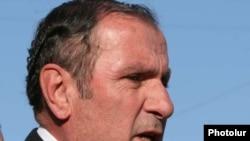 Opposition leader Levon Ter-Petrossian (file photo)