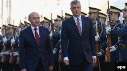Kryeministri i Kosovës, Isa Mustafa dhe zëvendëskryeministri, Hashim Thaçi