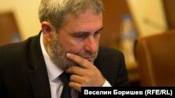 """Боил Банов се оплака, че изнудван от """"малка организирана престъпна група""""."""