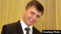 Сергей Романов, вакили мудофеъ (Акс аз Фейсбук)