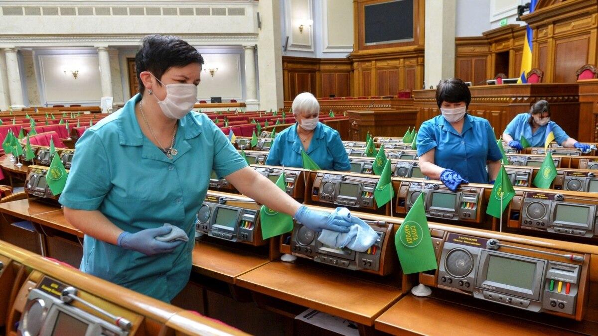 Рада планирует вернуться к пленарному режима 2 июня – Кравчук
