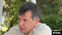 Scriitorul și jurnalistul Val Butnaru