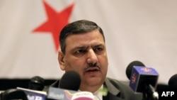 Поранешниот премиер на Сирија Ријад Хиџаб.