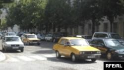Avqust başa çatan kimi Bakıda taksilər üçün xüsusi dayanacaqların yaradılmasına başlanacaq, 17 Avqust 2006