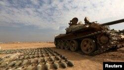 یکی از تانک های داعش در شرق موصل که به دست نیروهای عراقی افتاده است