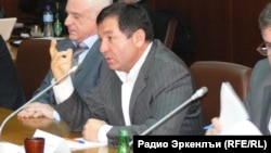 Gadzhimurad Omarov recently said he could not see anything good in what Ramazan Abdulatipov had done since being named republic head in January 2013; on the contrary, the republic is virtually bankrupt and corruption has increased.