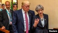 Președintele american Donald Trump și premierul britanic Theresa May la summitul G7 din Italia, Taormina, 26 mai, 2017.