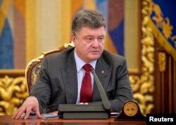 Назначит ли президент Украины Петр Порошенко новые выборы, пока неизвестно