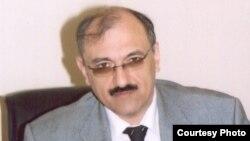 Professor Rövşən Mustafayev