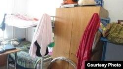 Комната в студенческом общежитии. Астана, июнь 2013 года.
