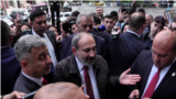 Armenia -- PM Nikol Pashinian visits protesters at the court, Yerevan, 20May2019