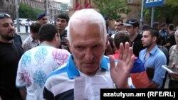 67-ամյա ակտիվիստ Հակոբ Նազարյանը: