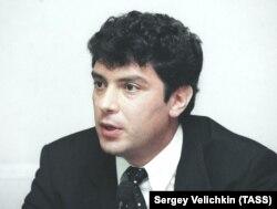 Борис Немцов на пресс-конференции по случаю своей отставки, 24 августа 1998