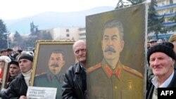 В Грузии единомышленники Иосифа Сталина отметили 130 дет со дня его рождения