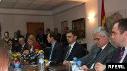 Министерот за финансии Зоран Ставрески и претставници на ММФ