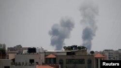 Дим над містом Газа після ізраїльського повітряного удару, 29 травня 2018 року