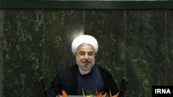 Hasan Rohani täze Majlisiň açylyşynda söz sözleýär.