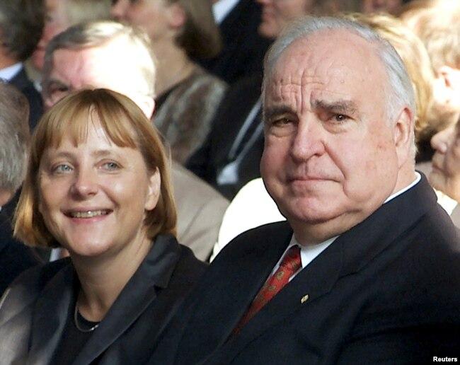 Гельмут Коль і Ангела Меркель. Берлін, 27 вересня 2000 року
