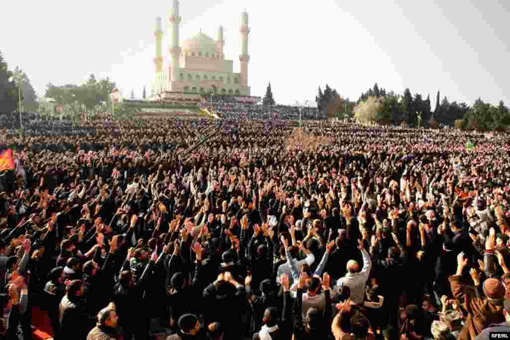 Marking Ashura In Azerbaijan #8