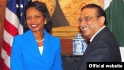 U.S. Secretary of State Condoleezza Rice meets with Pakistani President Asif Ali Zardari in New York City.