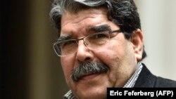 Salih Muslim Praqada Türkiyənin orderi ilə saxlanıb