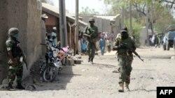 Policia nigeriane në shtetin Borno, ku Boko Haram ka vrarë më shumë se 150 njerëz.
