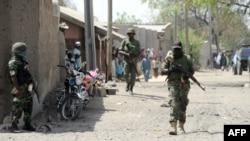 Военные в поселении в нигерийском штате Борно. Иллюстративное фото.