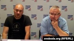 Праваабаронцы Валянцін Стэфановіч (зьлева) і Алег Гулак