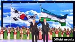 Жанубий Корея президентининг Тошкент ташрифи катта тантаналар билан ўтди.