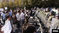 Tehrandakı etiraz aksiyalarından görüntü