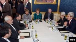 Участники переговоров по иранской ядерной программе за круглым столом в Вене. 21 ноября 2014 года.