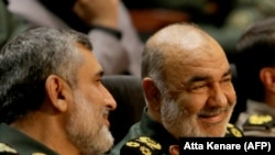 Iranian Revolutionary Guards commander Major General Hossein Salami (R). File photo