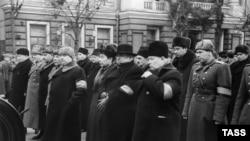 Молотов, Маленков, Берия, Микоян и другие члены Политбюро на похоронах Сталина