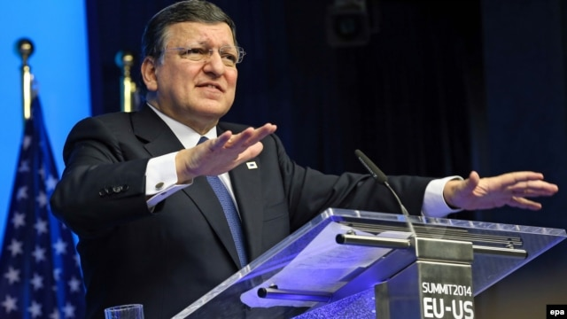 EU Commission President Jose Manuel Barroso says the EU will continue to provide financial and other assistance to Ukraine.