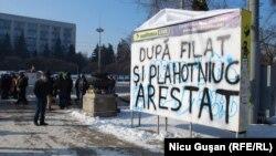 La un protest antiguvernamental la Chișinău...